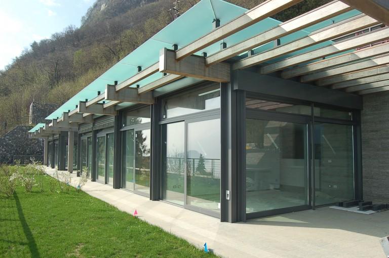 Moderni appartamenti in contesto con piscina immobiliare for Immagini di appartamenti moderni