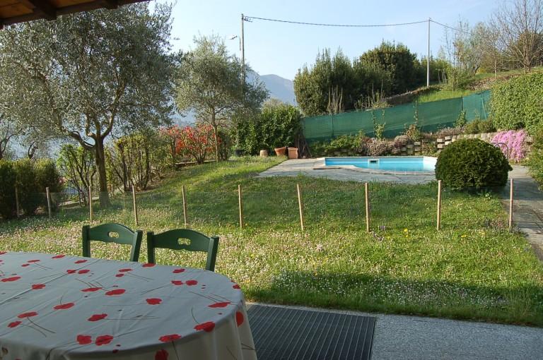 Curata villa con piscina e giardino immobiliare menaggio for Lungolago affitto lago cabina grande orso