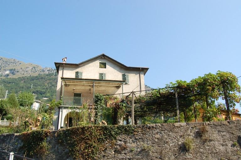 Prestigiosa casa con ampio giardino immobiliare menaggio - Affitto casa con giardino ...