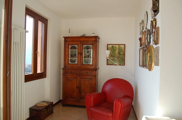 Ampio appartamento con giardino privato e bellissima vista - Appartamento con giardino privato ...