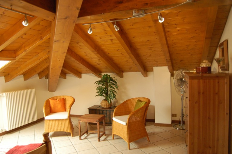 2 zimmerwohnung mit seeblick comer see ferienhaus immobilien mieten verkaufsh user und. Black Bedroom Furniture Sets. Home Design Ideas