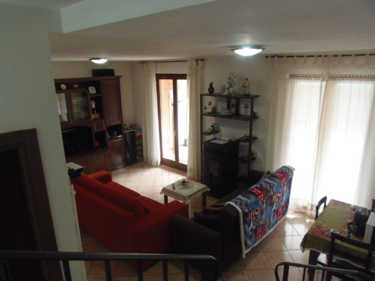 sch nes kleines haus in zentrumsn he comer see ferienhaus immobilien mieten verkaufsh user. Black Bedroom Furniture Sets. Home Design Ideas