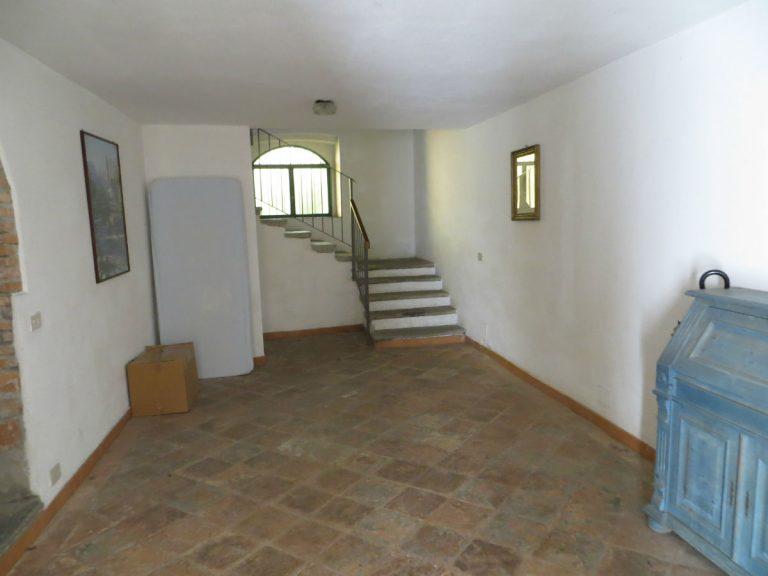 sch ne wohnung in einer kleinen wohnanlage comer see ferienhaus immobilien mieten. Black Bedroom Furniture Sets. Home Design Ideas